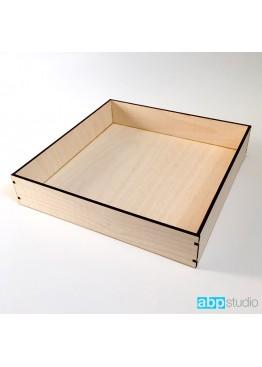 Коробка.   Размер 20х20х5см.