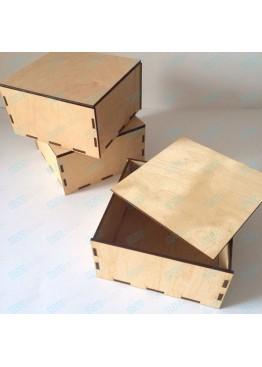 Самосборная деревянная коробка с крышкой. Размер 15х15х8 см.