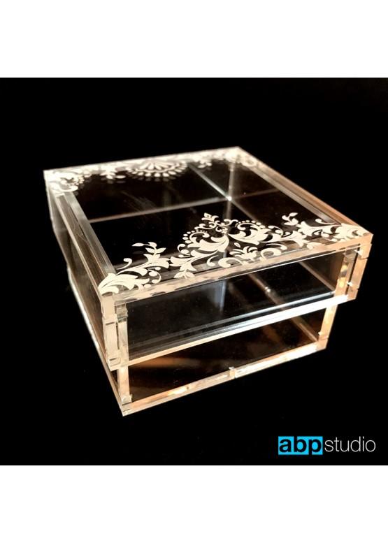 Коробочка  для колец прозрачная с гравировкой  (арт. Krkp2)