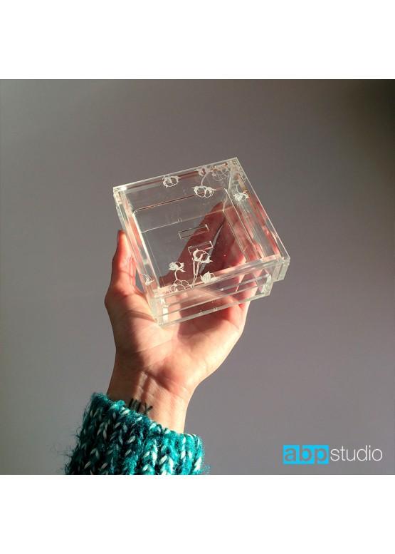 Коробочка для колец прозрачная с полочкой для колец и гравировкой (арт. Krkp3)